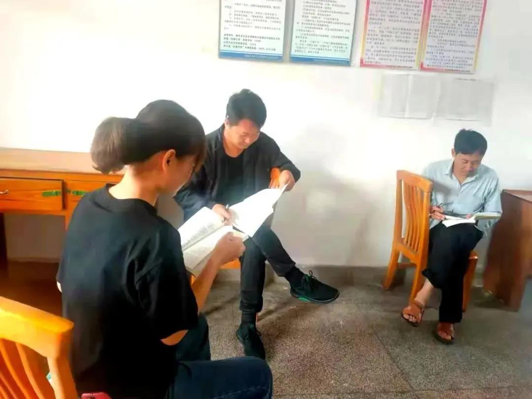 """禄丰:苗寨书屋变身党史学习教育""""资料补给站"""""""