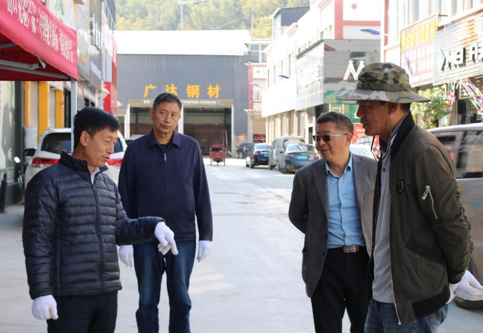 """余胜祥指导爱国卫生""""7个专项行动""""和创建国家卫生城市工作"""